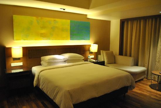 Hyatt Regency Kinabalu: amazing bed