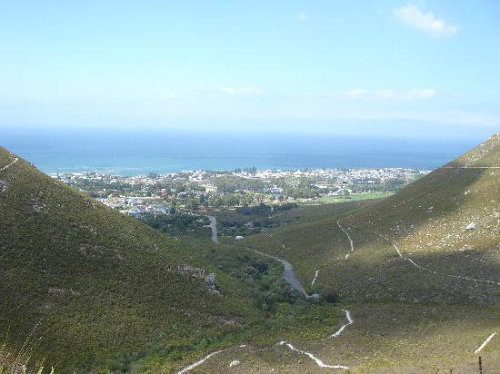 78on5th in Hermanus: Fernkloof look on Hermanus