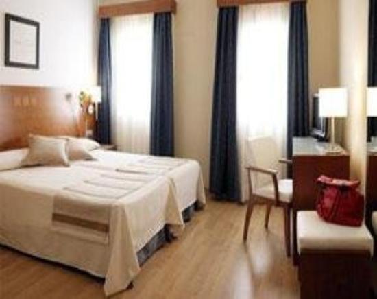 Hotel Menorca Patricia: Room