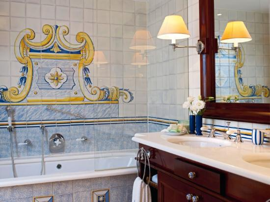 Seaside Grand Hotel Residencia: Suite Bath
