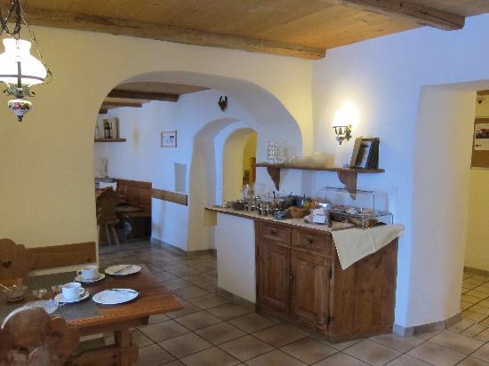 Boutique-Hotel Romantica Val Tuoi: breakfast