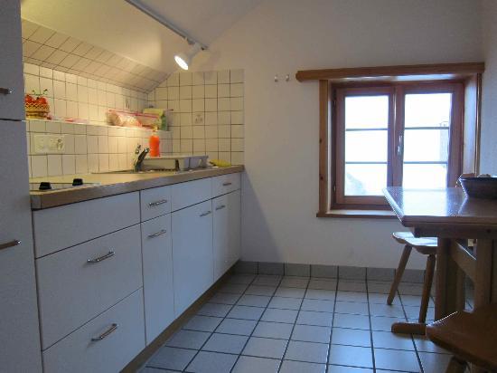 Boutique-Hotel Romantica Val Tuoi: kitchen