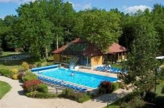 La piscine picture of novotel fontainebleau ury ury for Piscine fontainebleau