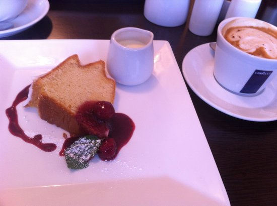 Bistro 58: Lemon drizzle cake with raspberry coulis