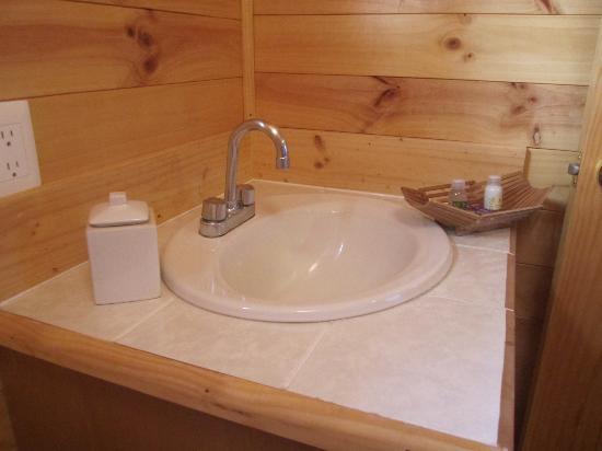 Hotel Boutique Xacallan: Parte del baño