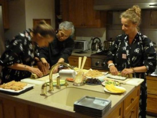 Berkshires Shirakaba Guest House: Initiation aux Sushi Rolls