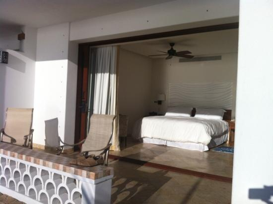 Cabo Surf Hotel: outside view of new room