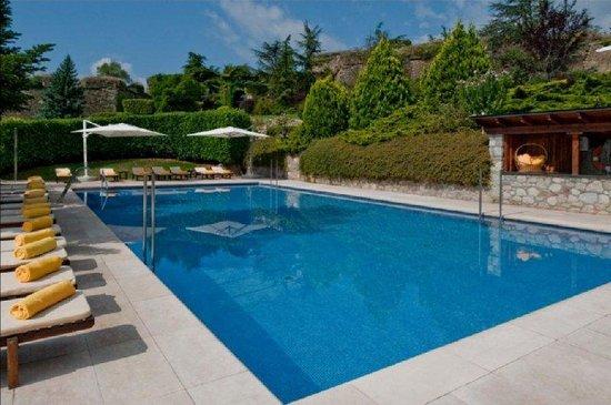 El Castell de Ciutat: Outdoor pool