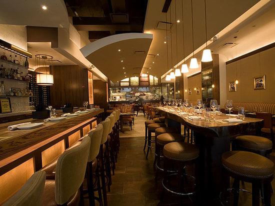 Pera Mediterranean Brasserie : Main dining room