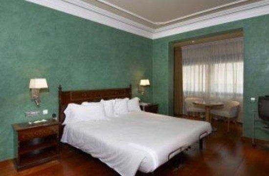 Hotel Montecarlo Barcelona: BedRoom
