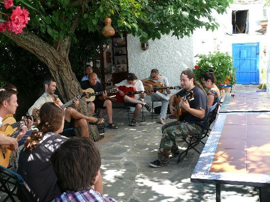 Sierra y Mar: Гитаристов в Испании больше чем нужно.  (Фламенко курс)