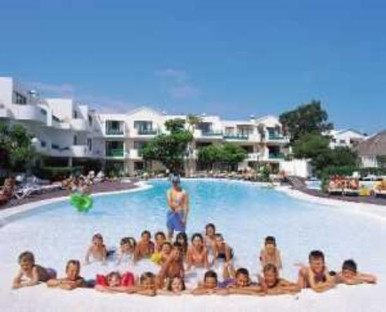 Hotetur puerto tahiche lanzarote costa teguise for Specialty hotels