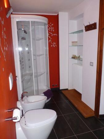 Tre Alberi Liberi: Camera Pruno - bagno