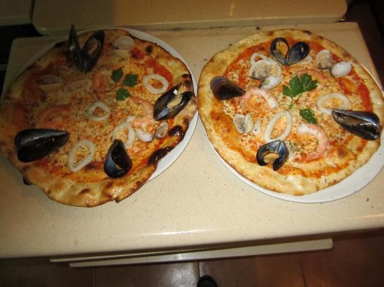 Dante: sea  food  pizza
