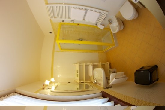 Otto Ducati d'Oro: Il bagno