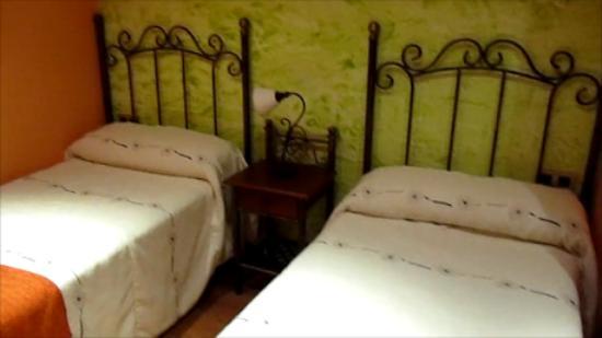 Aparthotel Capitolina: Dormitorio dos camas