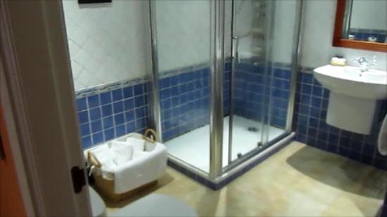 Aparthotel Capitolina: Baño