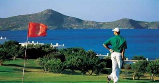Elounda Mare Relais & Chateaux hotel: Golf next door
