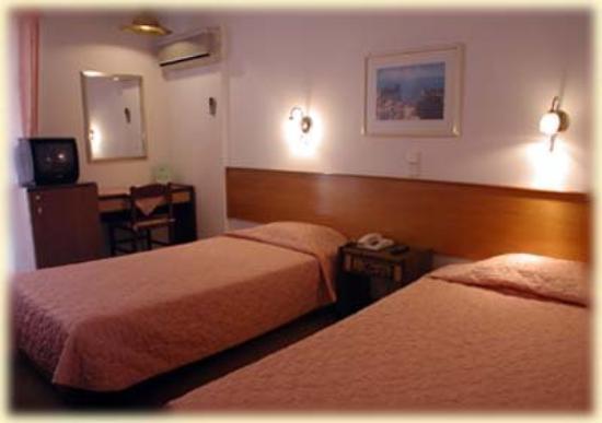 Anatolia Hotel: Guest room