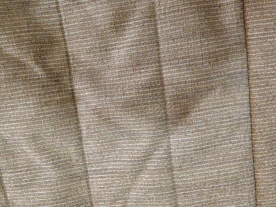 Hyde Park Inn: bedspread stain 2