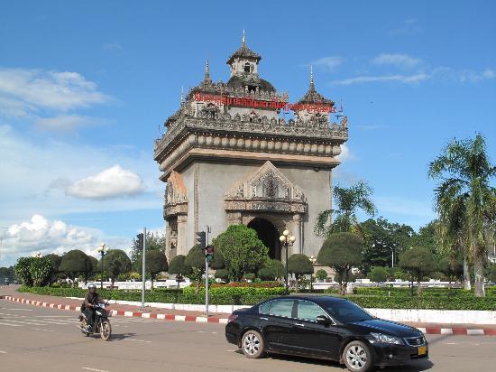 Royal Dokmaideng Hotel: Laos