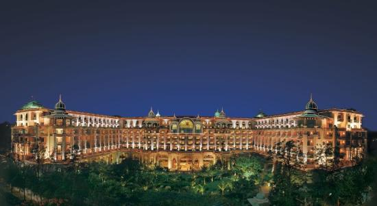 The Leela Palace Bengaluru: LRBLRExterior Panaromic View