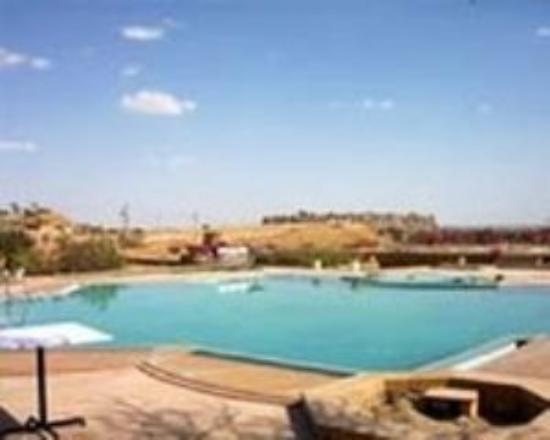 Himmatgarh Palace: Pool