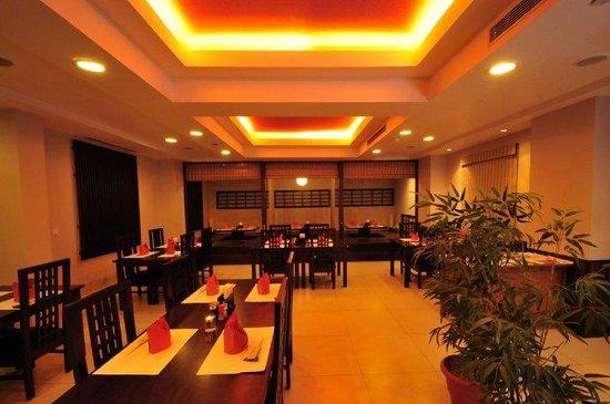 Avalon Courtyard: Momiji Restaurant