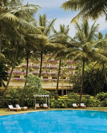 The Oberoi, Bangalore: Pool side