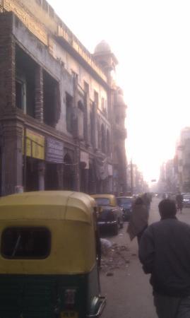 Hotel Le Roi: Street view3