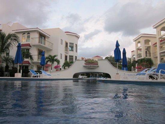Encanto Paseo del Sol: Pool area