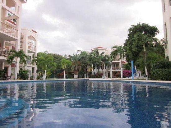 Encanto Paseo del Sol: Pool area 2
