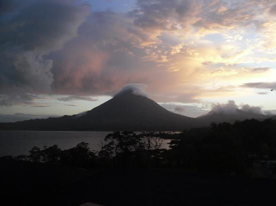 Arenal Vista Lodge: Amanecer1