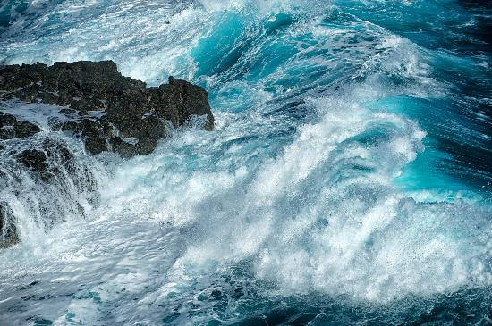 The Nobbies Centre: Ocean waves