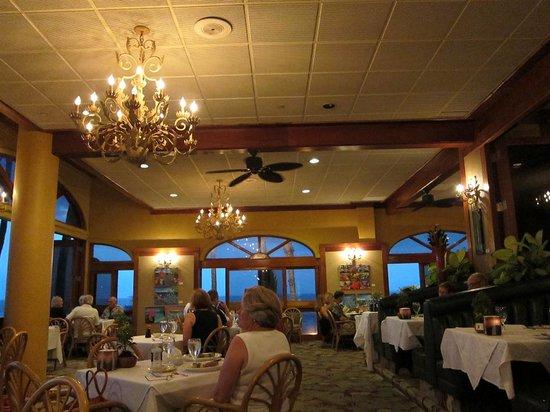 5 Palms Restaurant: inside restaurant seating
