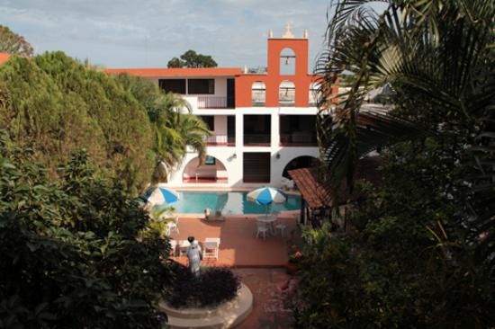 Hotel San Clemente: View from my room to the hotel garden