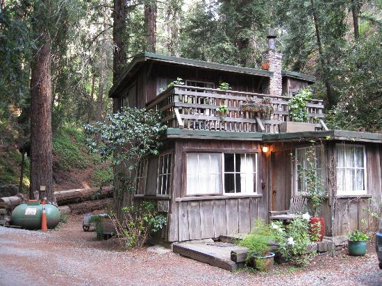Deetjen's Big Sur Inn: Creekside