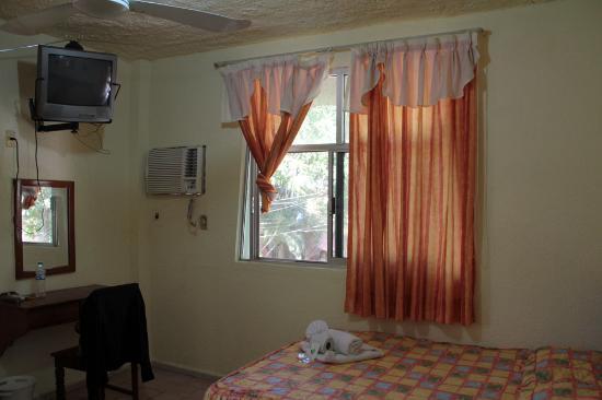 Hotel El Chechen: My room