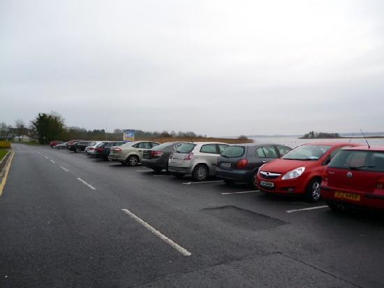Hodson Bay Hotel: Car park