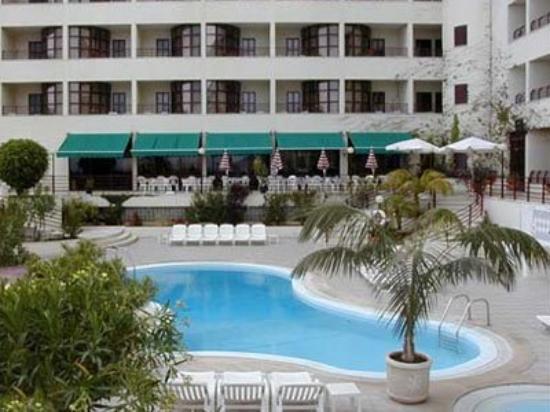 Ajuda Madeira Hotel: Pool View