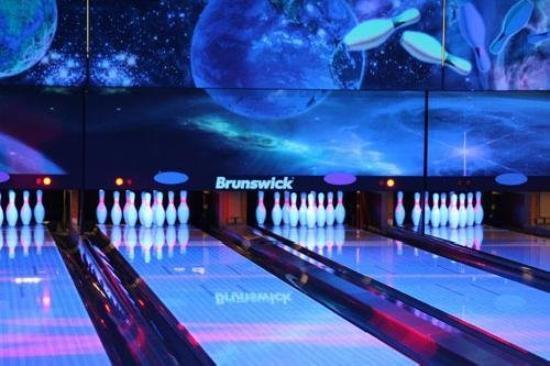 Euroway Hotel: Bowling