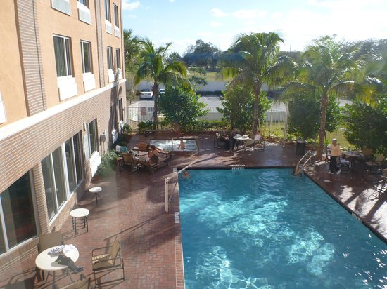 Cambria hotel & suites Fort Lauderdale, Airport South & Cruise Port: Our Room