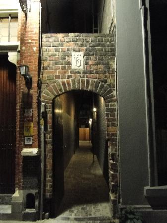 Hotel Passage: Entrada al hostel