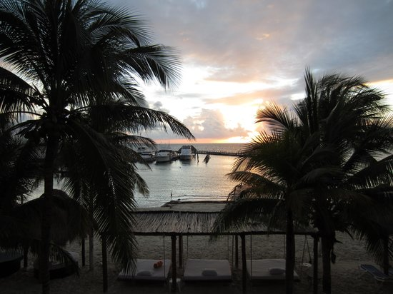All Ritmo Cancun Resort & Waterpark : view from balcony at sunrise