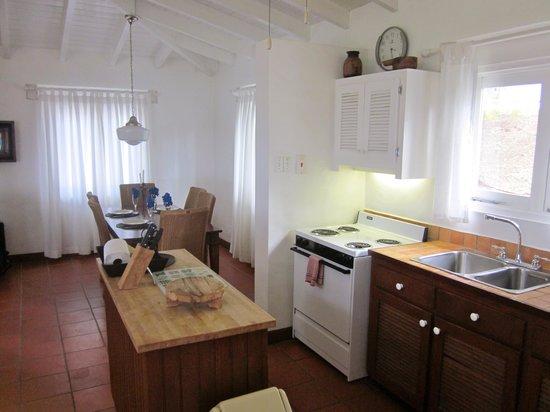 Windjammer Landing Villa Beach Resort : The kitchen