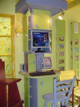 The Art & Nature Inn: Internet Kiosk