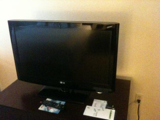 Holiday Inn Norwich: TV in room