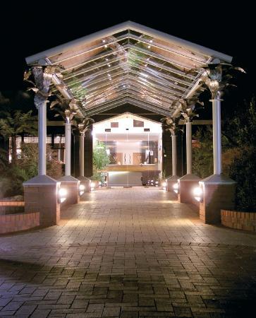 Quality Hotel Marlborough: Entrance