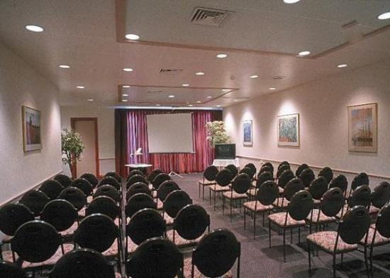 Quality Inn Collegiate: Meeting Room