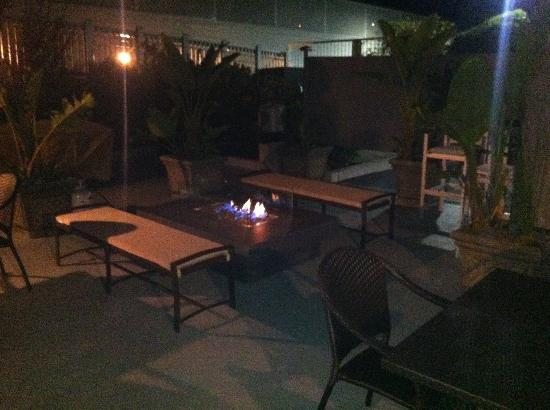 Pier View Suites: Patio